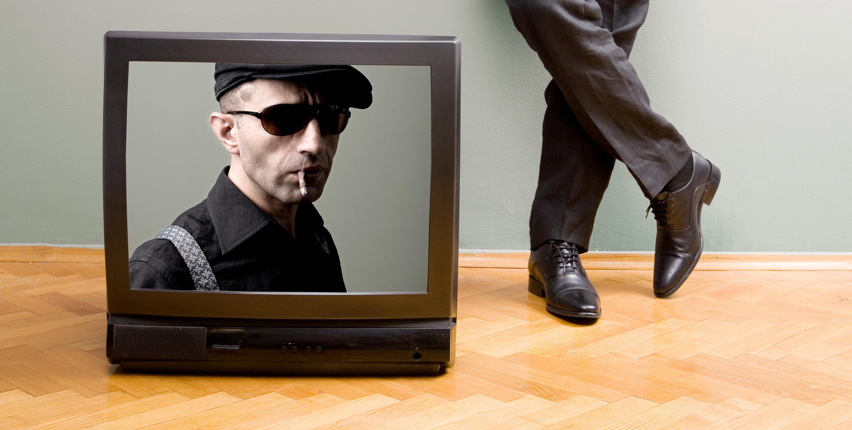 Etude CSA : Le tabac est-il trop présent dans les fictions télévisées ?