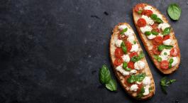 Bruschetta avec mozzarella